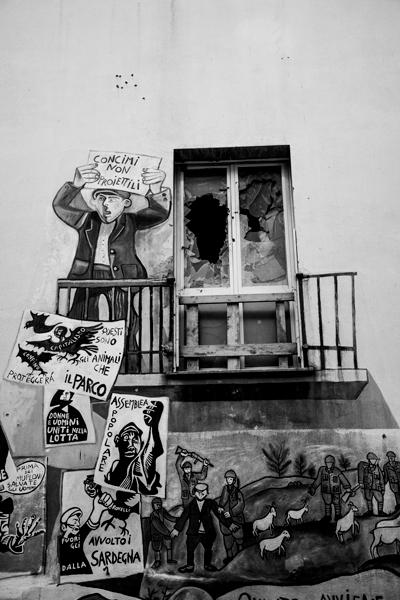 Revolución campesina representada en los murales. Orgosolo. Cerdeña