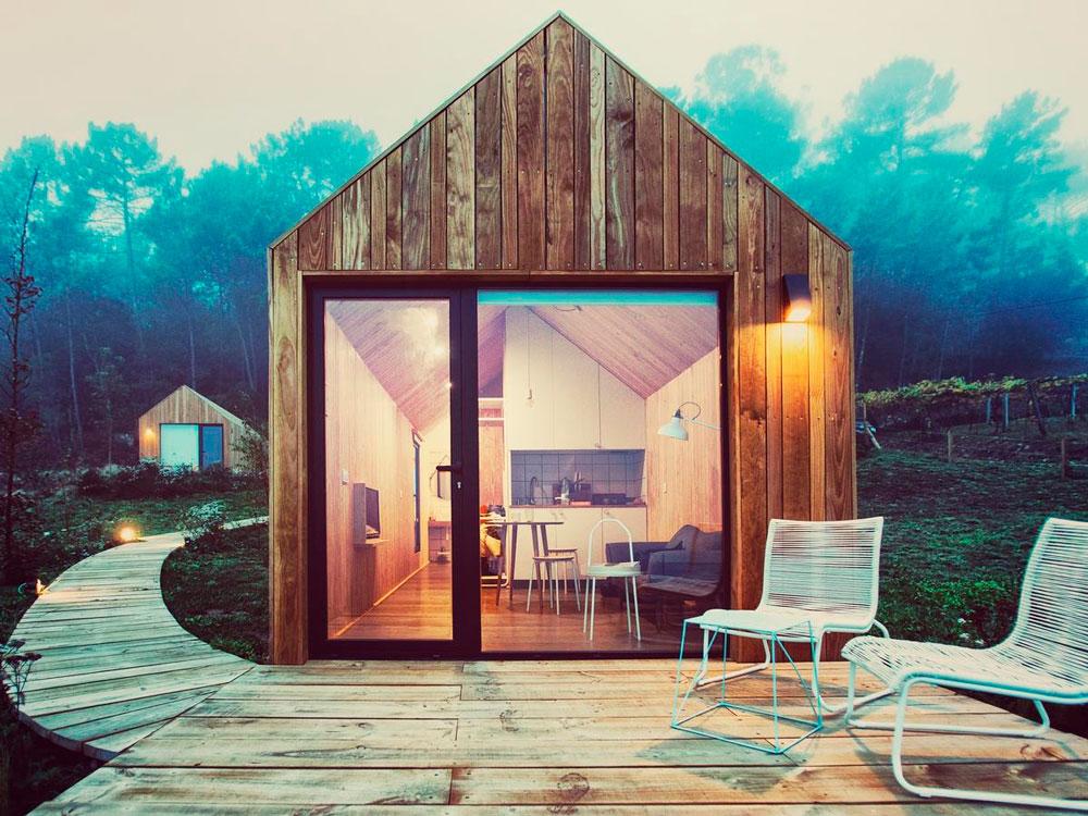Cabaña preciosa de madera rodeada de vegetación. 10 Cabañas en Galicia. Casas con encanto