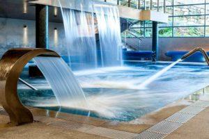 Chorros de agua muy apetecibles en un spa. Los 10 mejores hoteles con spa en Galicia. Perder el Rumbo