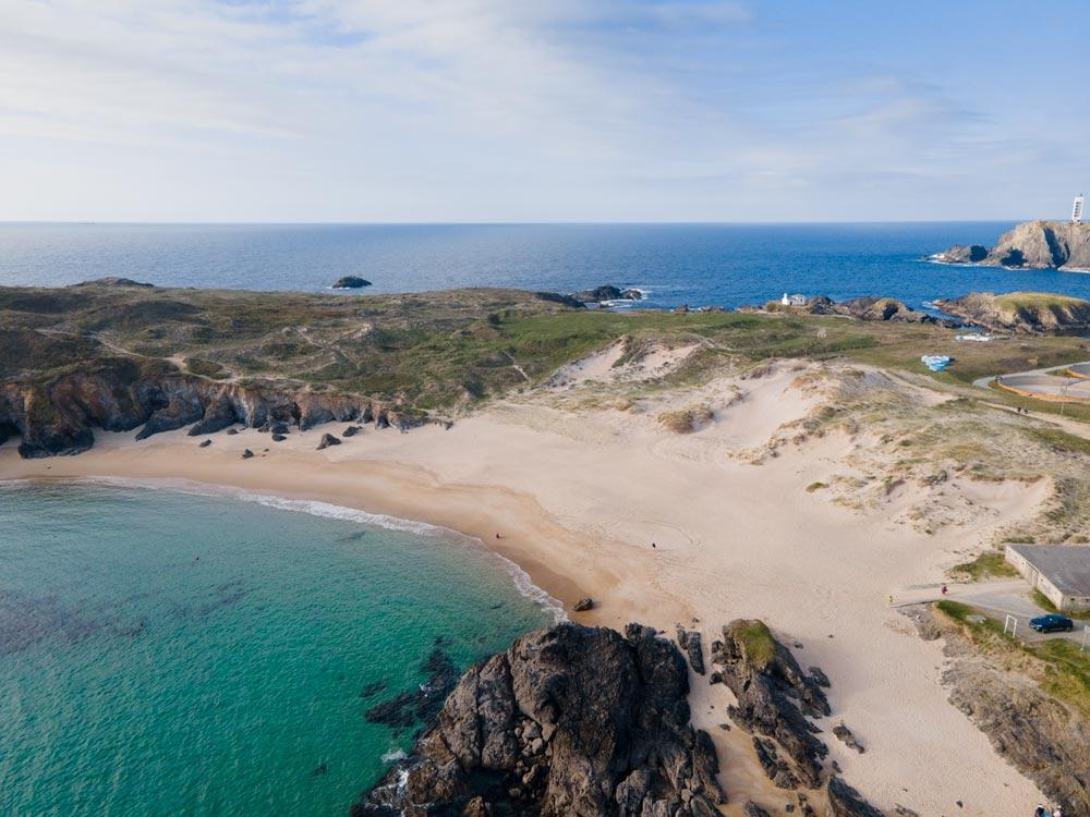Pequeña y bonita cala con aguas turquesas. 5 maravillosas Playas de Valdoviño. Perder el Rumbo